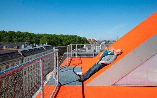 デンマークの屋根の上の遊び場11