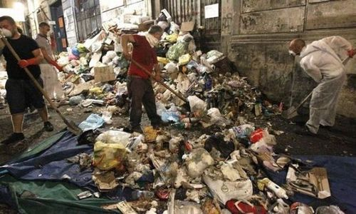 ゴミの街ナポリ03