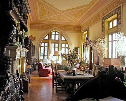 ヨーロッパのお城のような家 B05