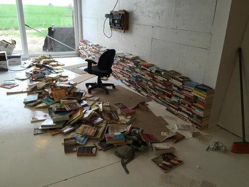 4000冊の古本でリビングをデザイン04