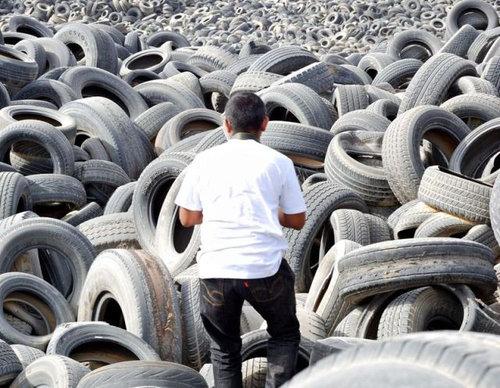 クウェートのタイヤ廃棄06