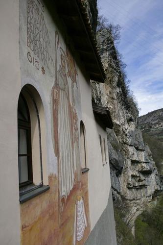 サン・コロンバーノ岩窟教会09