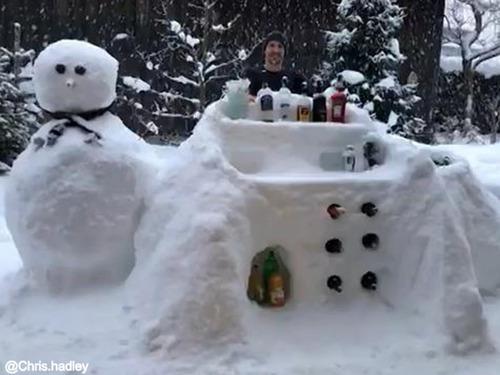 お酒好きの雪遊び00