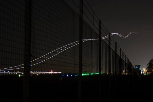 飛行機の離陸を長時間露光01