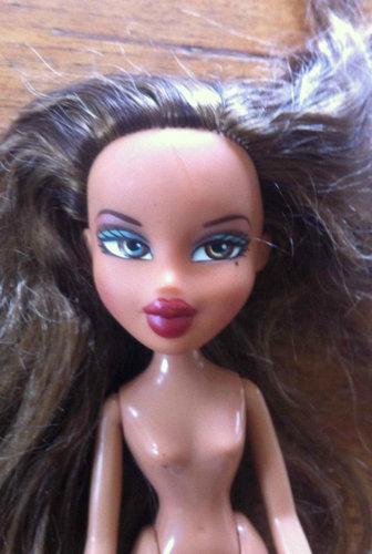 もし人形から化粧を取ったら05