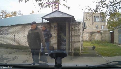 ロシアでは歩道でも左右を確認したほうがいい理由01