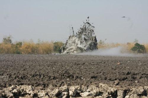 泥火山の泡07
