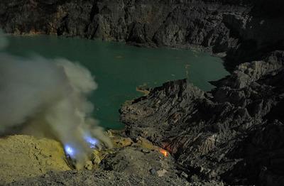 イジェン火山01