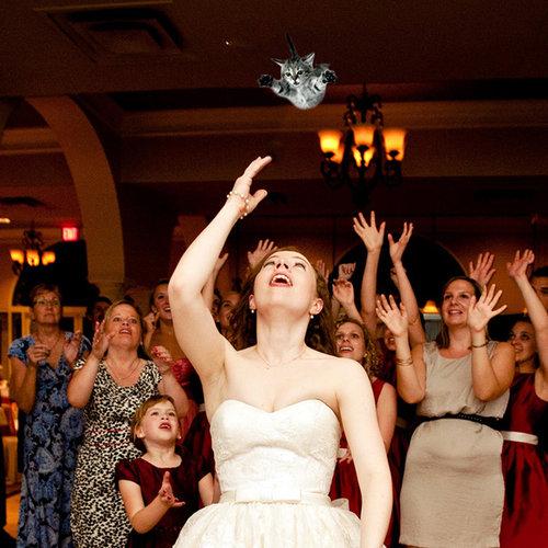 結婚式のブーケを猫に03