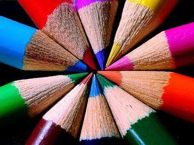 色鉛筆 色の識別に関しては、色細胞などの差もあり、女性の方が男性よりも優れいて... 男女でここ