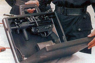 スパイ映画に出てきそうな隠し武器02