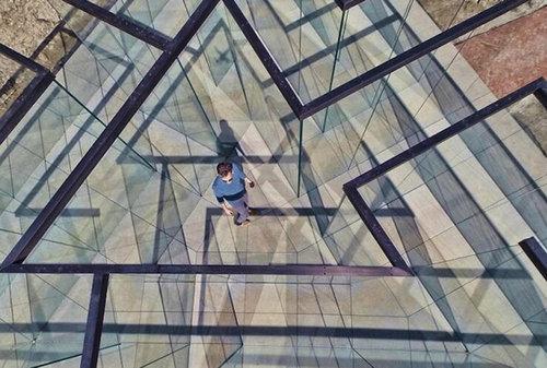 ガラスの迷路02