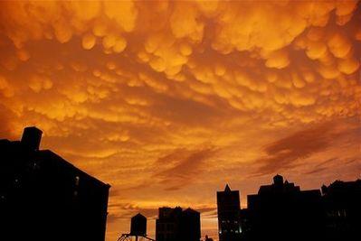 ニューヨークの空を埋め尽くした乳房雲02