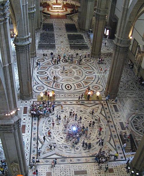フィレンツェの大聖堂の模様05