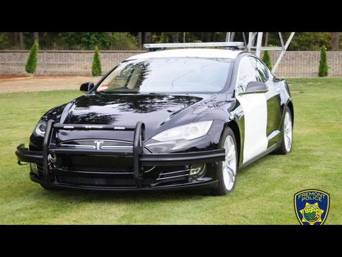 電気自動車のパトカー00