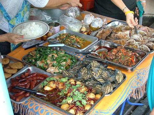 インド:ストリートの2食分