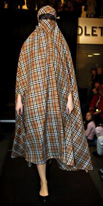イスラム女性向けのファッションショー02