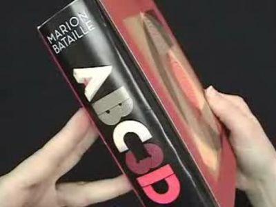 アルファベットが飛び出す絵本『Abc3d 』01