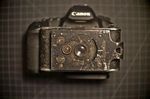 100年前のカメラ01
