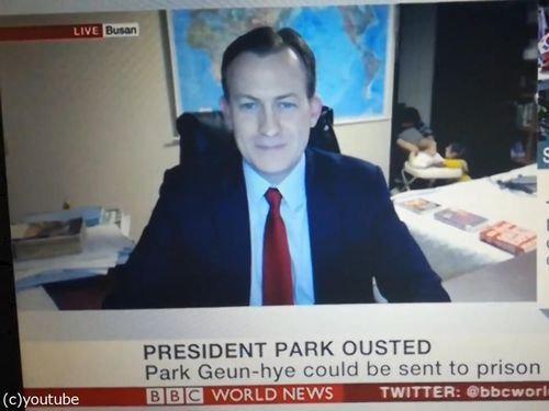 BBCワールドニュースの生放送中に子供が乱入08