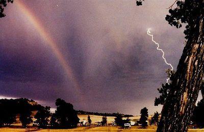 虹と雷07