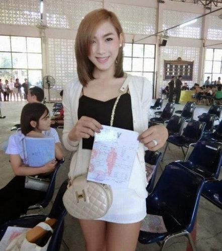 タイの徴兵検査とニューハーフ12