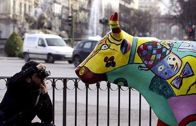 スペインの面白牛彫刻08