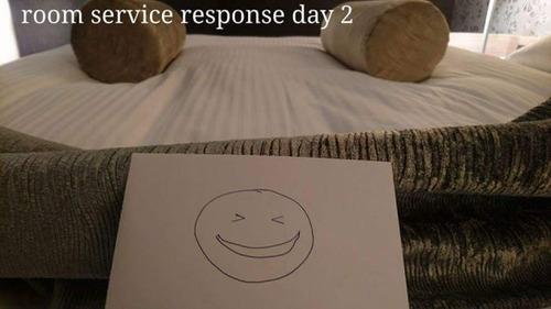 出張先のホテルでルームサービスと交流06