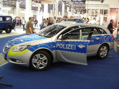 ドイツの新パトカー「インシグニア」00
