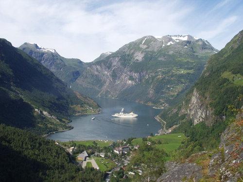 ノルウェーの絶景02