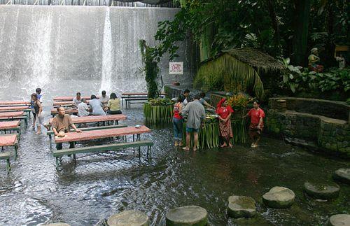 滝のレストラン03