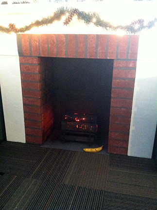 ダンボール暖炉13
