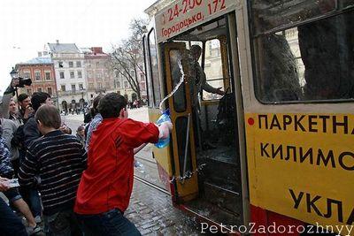 ウクライナの水掛けっこ04