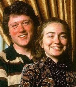 若い頃のクリントン夫妻とオバマ氏とブッシュ大統領03