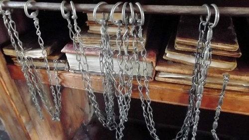 鎖付き図書11