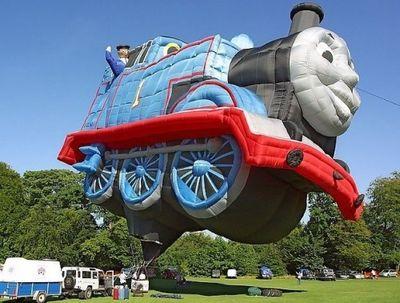 奇抜なデザインをした世界のおもしろ気球04