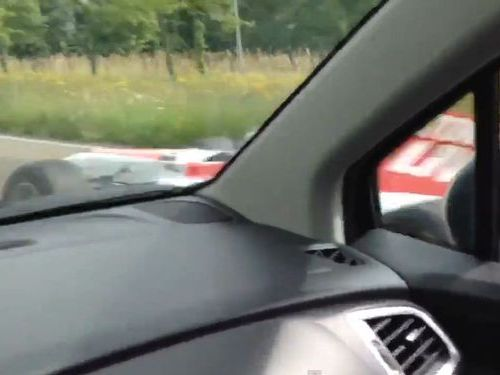 公道にF1カー01