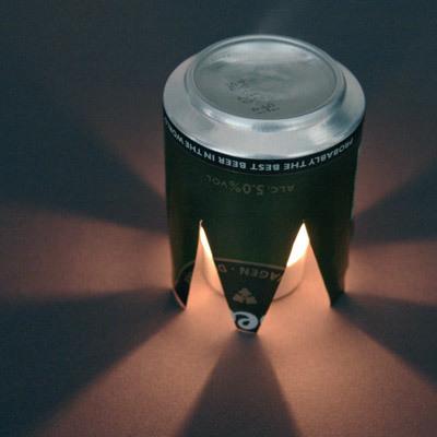 空き缶をジグザグに切り、照明カバーに-くだらない笑える面白いリサイクル28