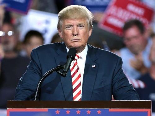 トランプ大統領が色白で頭が薄かったら00