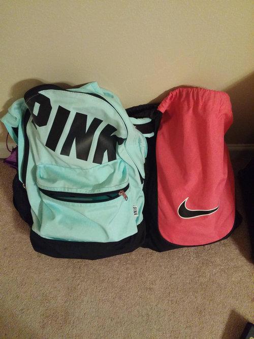 ピンクのバッグ01