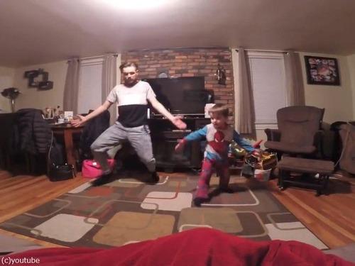 世界一キュートな父と息子のダンス03
