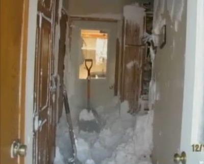 雪が家の中まで02