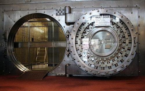 銀行の金庫室に書かれてる言葉00