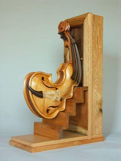 変わった形のバイオリン11