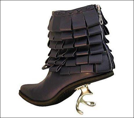 世にも奇妙な靴07