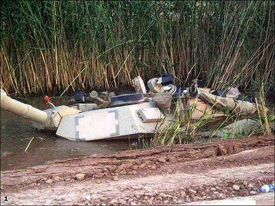 事故を起こした戦車11