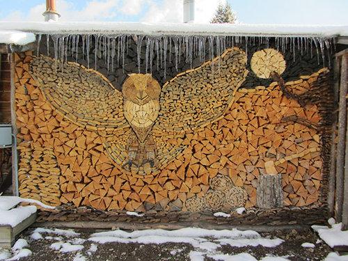 木材積みアート03