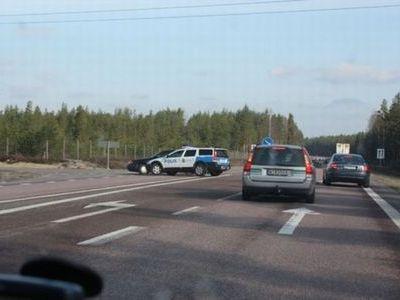 スウェーデン警察の荒っぽいカーチェイス00