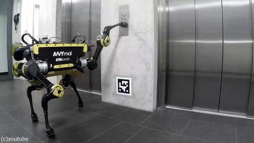 エレベーターを乗りこなすロボット02