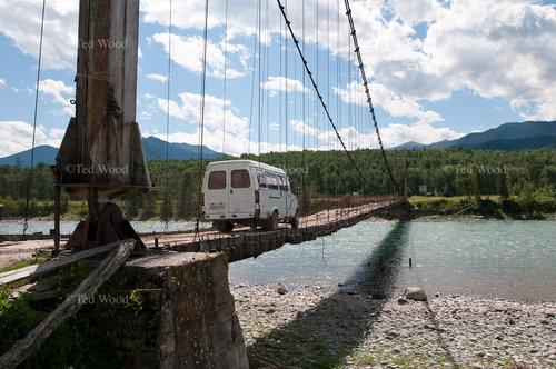 ちょっと渡りたくないロシアの橋04